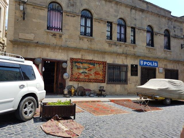 baku_aserbaidschan_umgebung_polis